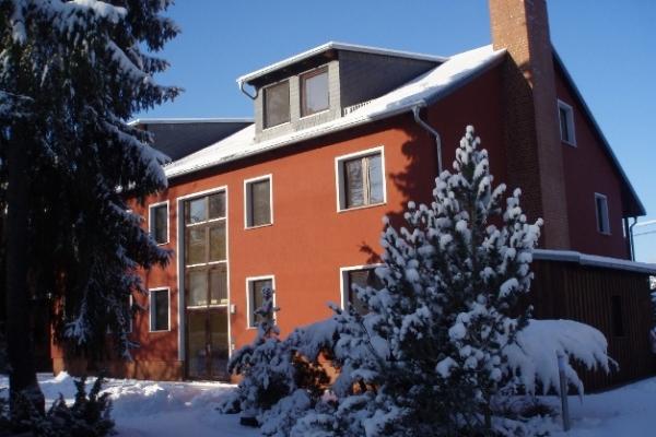 winter2009-0233914A486-B904-C95E-63C9-6B141D3D2E1D.jpg